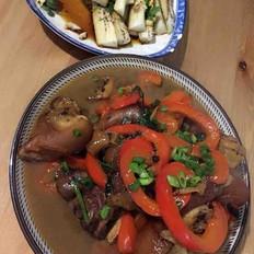 柿子椒香菜燜豬腳