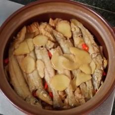 腌黄瓜五花肉鱼煲