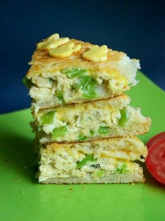 青椒煎蛋奶酪三明治的做法