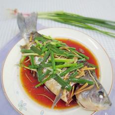 姜葱蒸鲫鱼