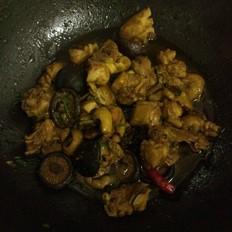 新疆什么鸡好吃香菇鸡的做法