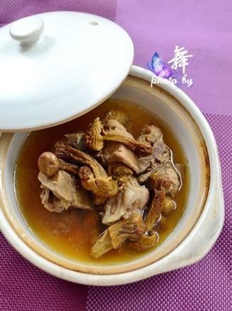 姬松茸炖排骨的做法