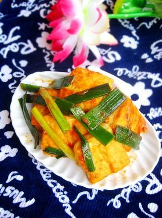 湖南辣酱蒜苗烧豆腐的做法