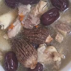 筒骨羊肚菌红枣汤
