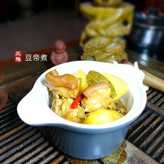 土豆燉鹵豬腳