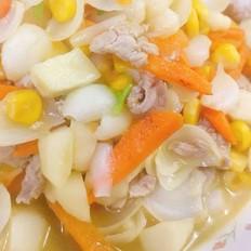 百合玉米马蹄炒萝卜瘦肉