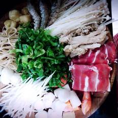 三鮮砂鍋米線