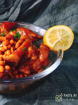 满满胶原蛋白的黄豆焖猪蹄的做法