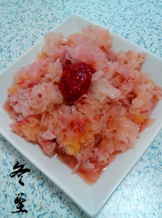银耳拌草莓酱的做法