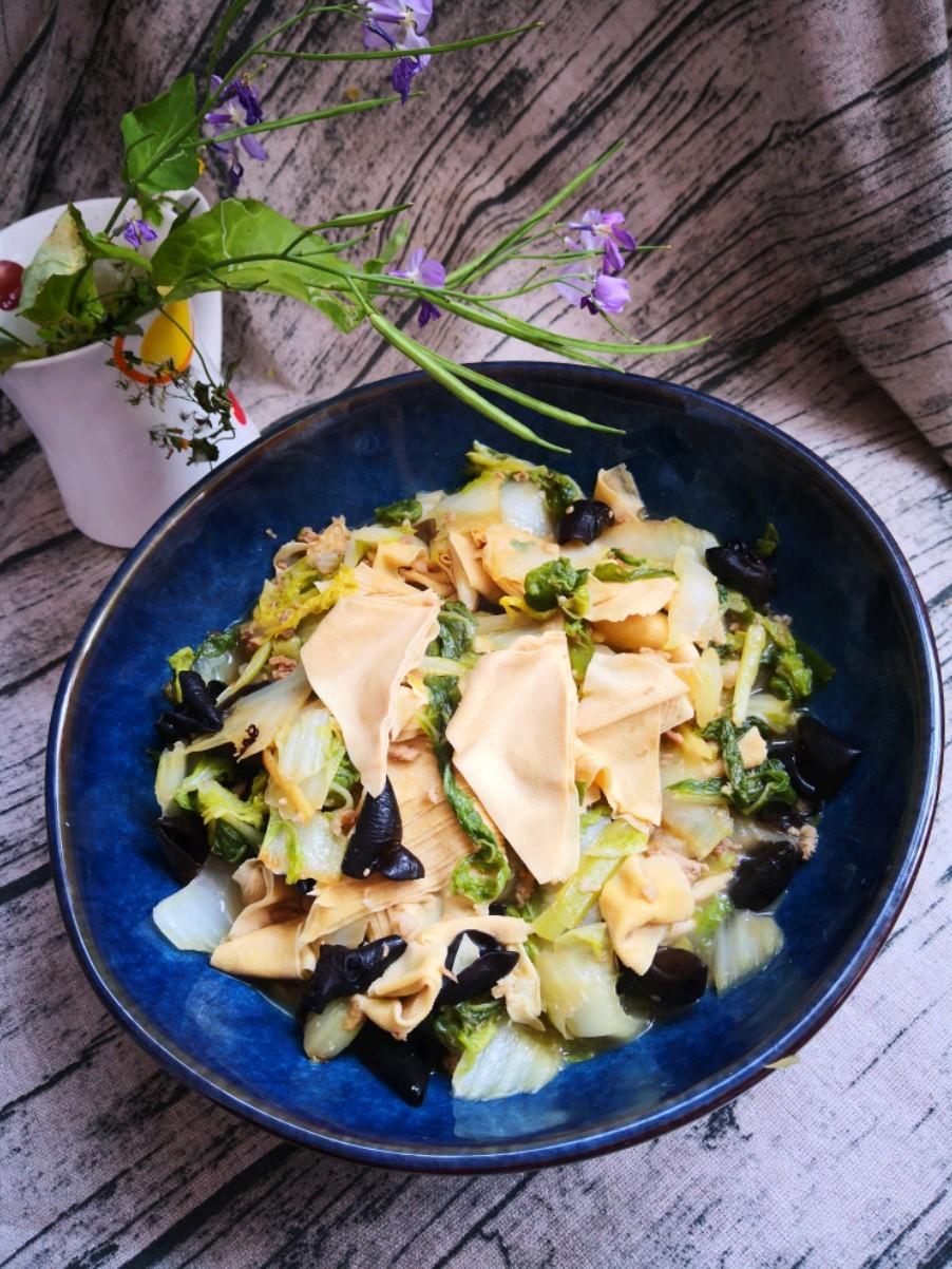 白菜燉豆皮