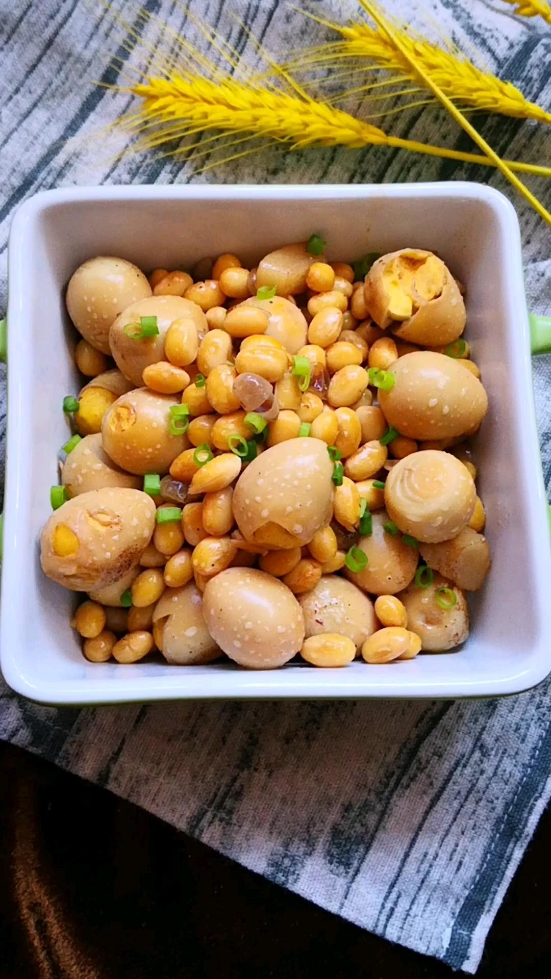 鵪鶉蛋燜豆