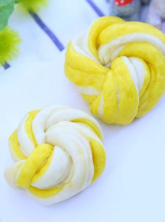 南瓜双色花卷  宝宝辅食食谱的做法