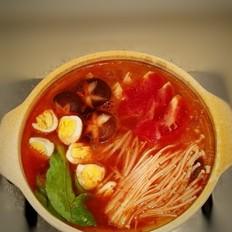 紅酸湯龍利魚火鍋