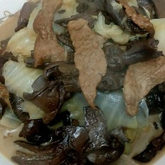 猪肉白菜炖蘑菇