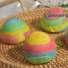 螺旋彩虹蛋黄酥