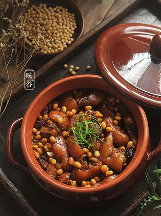 黄豆焖猪脚的做法