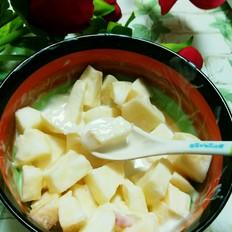 苹果酸奶沙拉