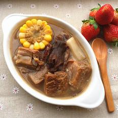臘排骨煲玉米松茸湯