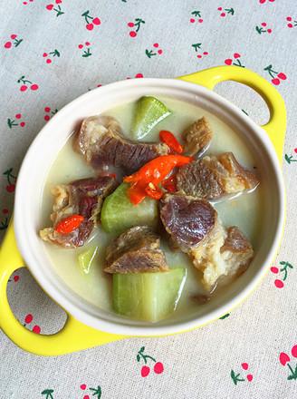 蘿卜燉臘豬蹄肉的做法