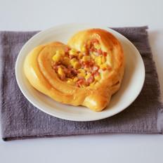 心形玉米火腿沙拉包