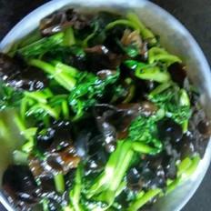 牛轧糖哪家好吃木耳炒青菜的做法