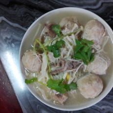 金針菇丸骨湯