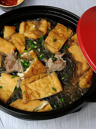 红薯粉丝豆腐煲的做法