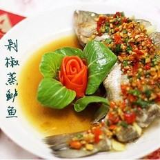 家有客人用本味,营养美味的家常菜-剁椒蒸鲈鱼