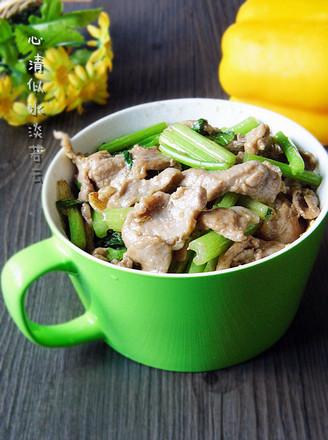 芹菜小炒肉的做法