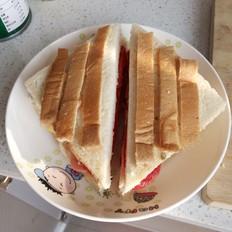番茄火腿玉米三明治