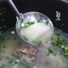 寒风起,一碗萝卜让肉汤暖人心