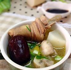 口蘑白萝卜鸡汤