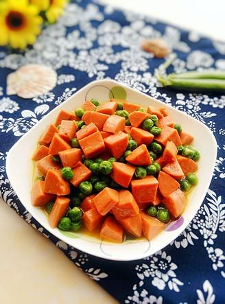 豌豆炒火腿腸的做法