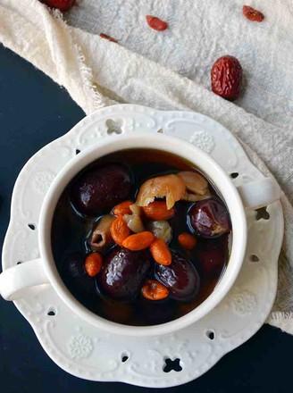 桂圆红枣糖水的做法
