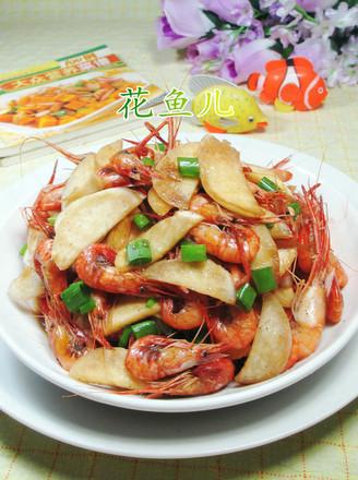 茭白炒河虾的做法