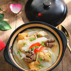 油豆腐牛筋丸蘿卜煲