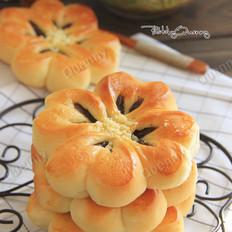 四叶草豆沙面包的做法