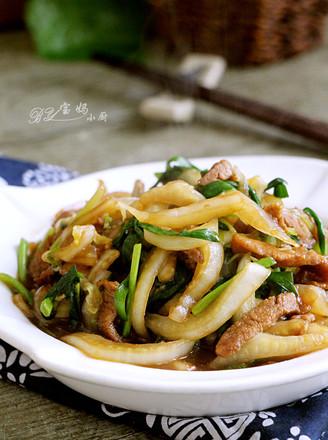 大白菜肉丝炒韭菜的做法