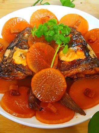鱼头烧萝卜的做法