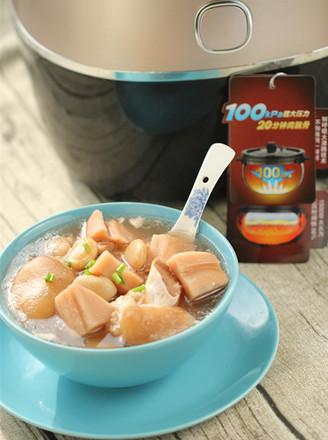 莲藕芸豆蹄花汤的做法