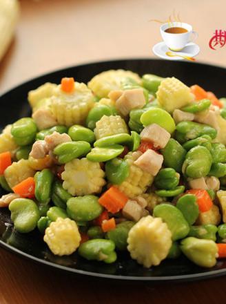 蚕豆玉米笋炒鸡肉的做法