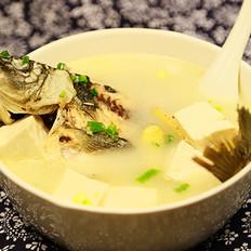 豆腐鲫鱼奶白汤