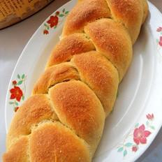 鲜香茹怎么做好吃夹馅辫子面包的做法