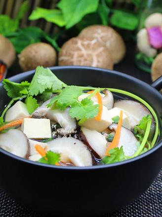 豆腐香菇汤的做法