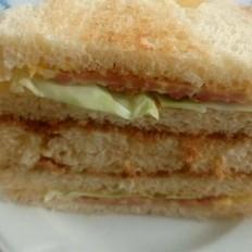肉松火腿三明治