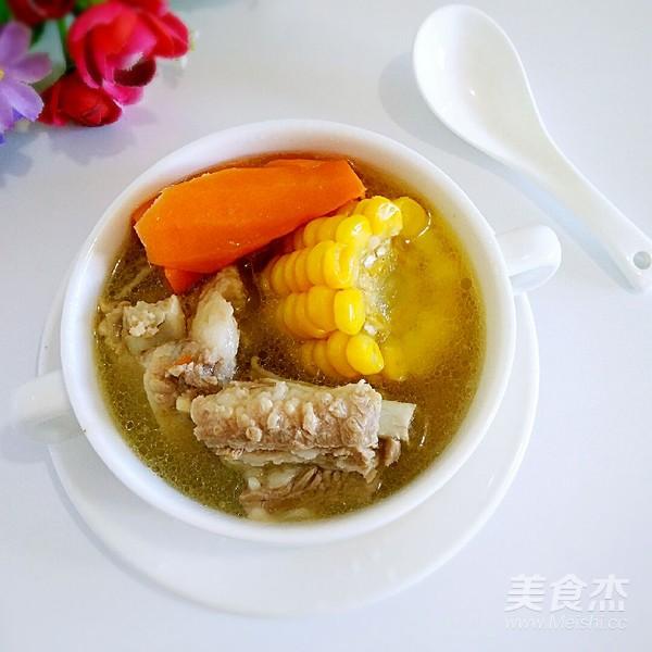 玉米排骨胡蘿卜湯成品圖