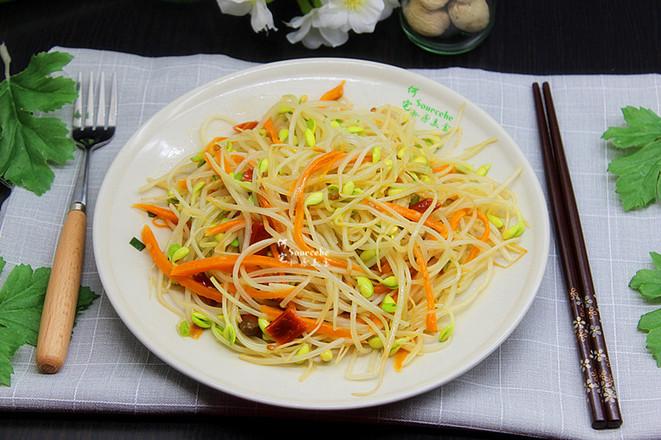 泡菜炒豆芽成品圖