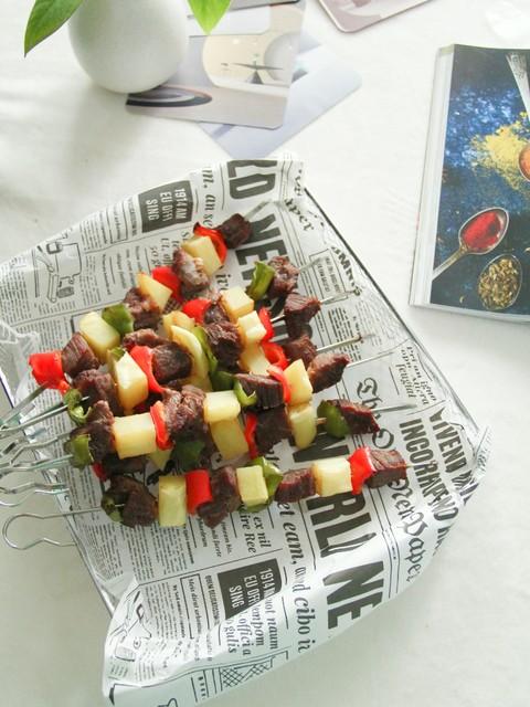 无油青红椒土豆牛肉烤串,荤素搭配,好吃!空气烤省时又美味!