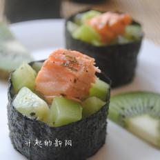 三文鱼猕猴桃寿司卷