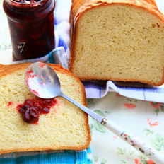 满屋飘香的淡奶油面包